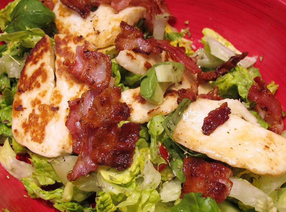 salat - Salat med bacon og haloumi