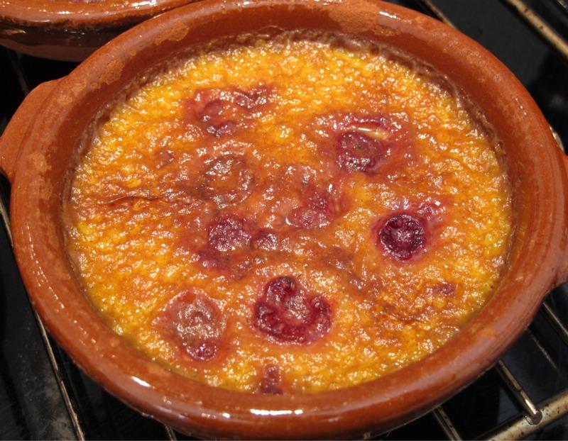 0 010 - Crème brûlée med bringebær