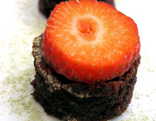 kake32 512x400 - Brownies med mandelmel, fruktose og olivenolje