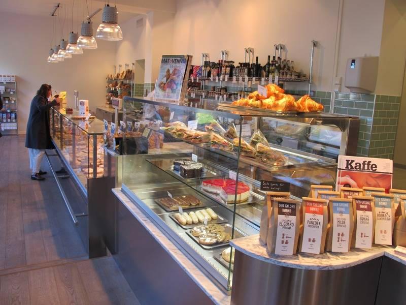2002 - Bruk småbutikkene, please!