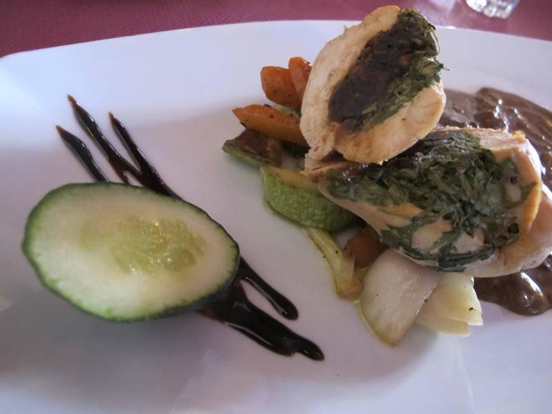 Kylling fylt med ruccola og fiken.