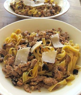 img 51442 341x400 - Pasta med kylling og sorte oliven