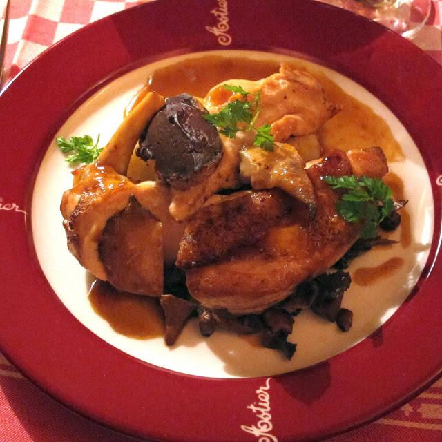 kyllinglever på toast og nydelig kylling