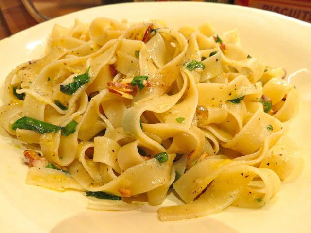img 0045 - Pasta med mandelflak, urter og sitronskall