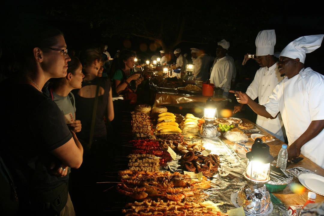 Matmarkedet i Forodhani Gardens