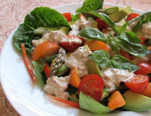 Salat med tunfiskdressing