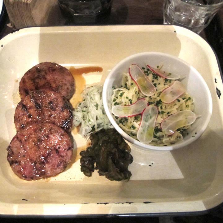 Pigs' Head Sausage med coleslaw