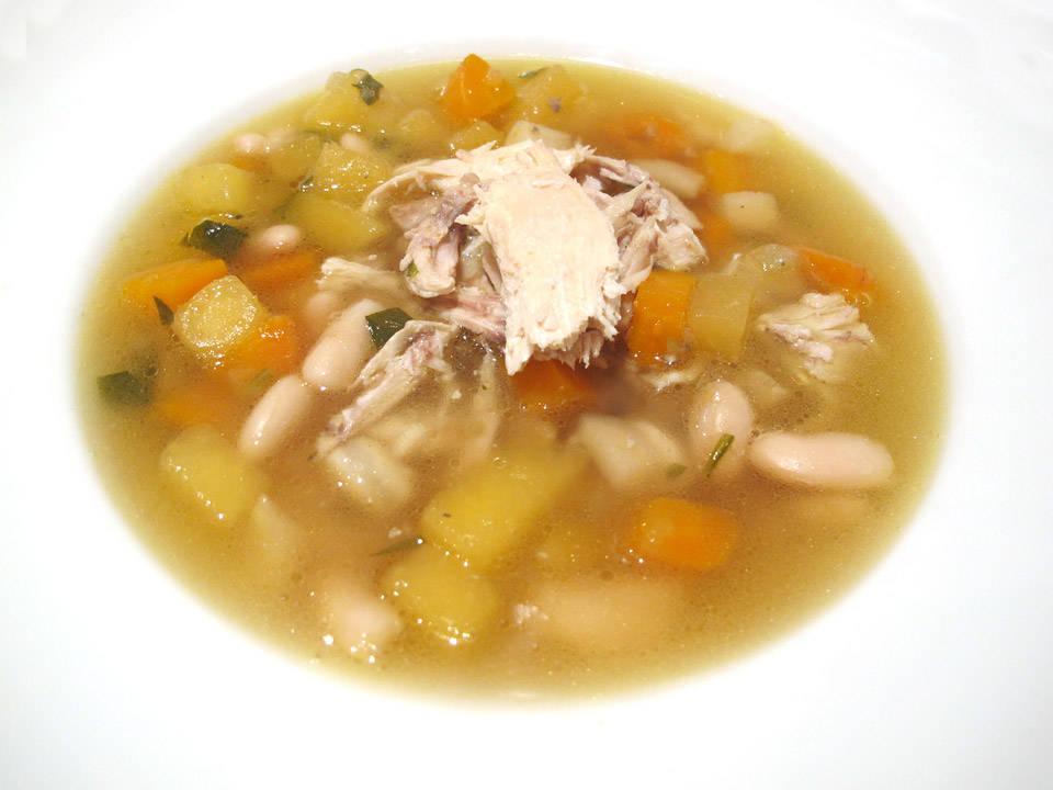 Hjemmelaget kyllingsuppe