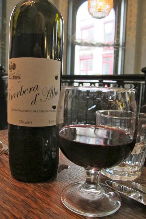 God vin har de også. Kanskje ikke det mest imponerende vinkartet, men.