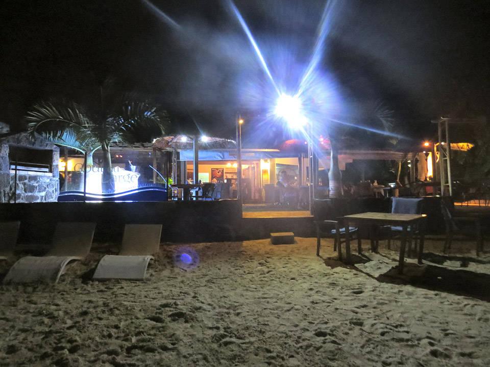 Le gout du large. Strandrestaurant med herlig sjømat i Grand Baie, Mauritius