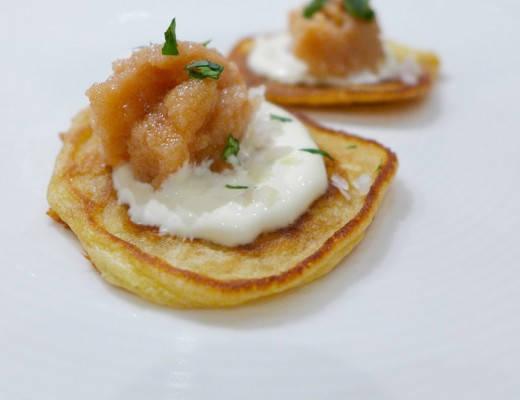 l1000192 520x400 - Minisveler med røkt kaviar