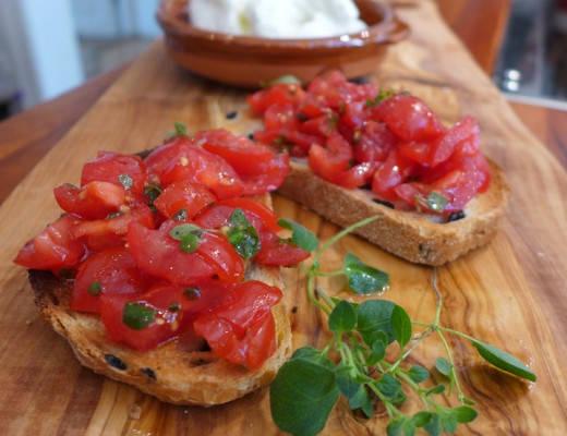 Bruschetta med tomatsalat