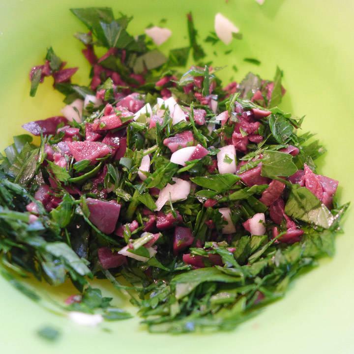 Kalamataoliven, hvitløk og bladpersille