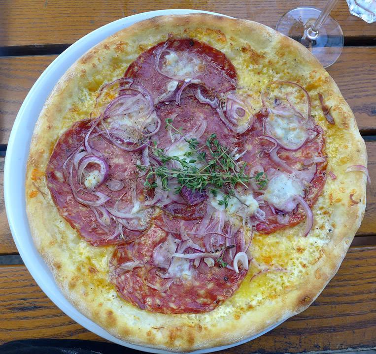 Fennikelsalami-pizza