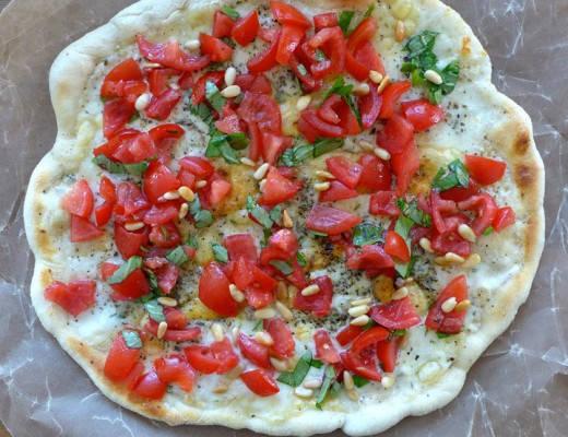 l1030835 520x400 - Pizza Caprese