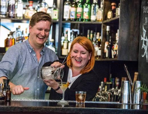 helle vs jesper 5704 520x400 - Bli kjent med Norges beste bartender