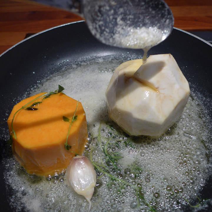 Øsing av smør.