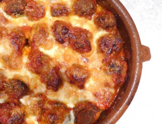 viltboller 520x400 - Viltboller med pasta, tomat- og paprikasaus og et deilig ostelokk