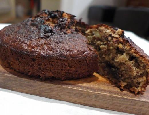 l1060165 520x400 - Banankake med sjokolade, kaffe og valnøtter
