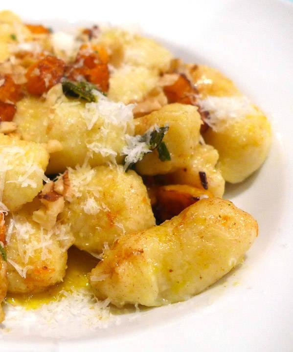 l1080692x - Silkemyke gnocchi med gresskar og salviesmør
