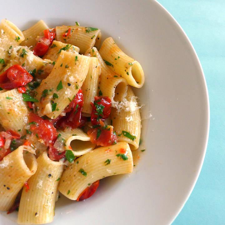 L1120034 - Pasta med friske tomater og en spennende ingrediens
