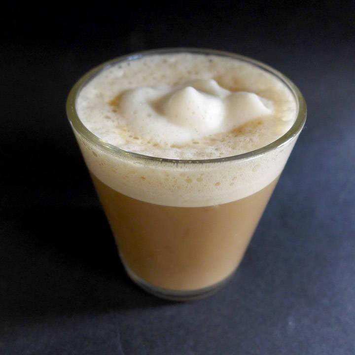 L1130651 - Lakris-latte og iskald lakrismelk