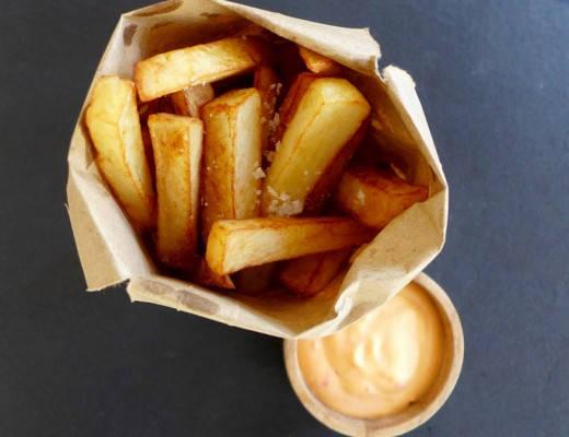 L1130958 520x400 - Pommes frites med chilimajones