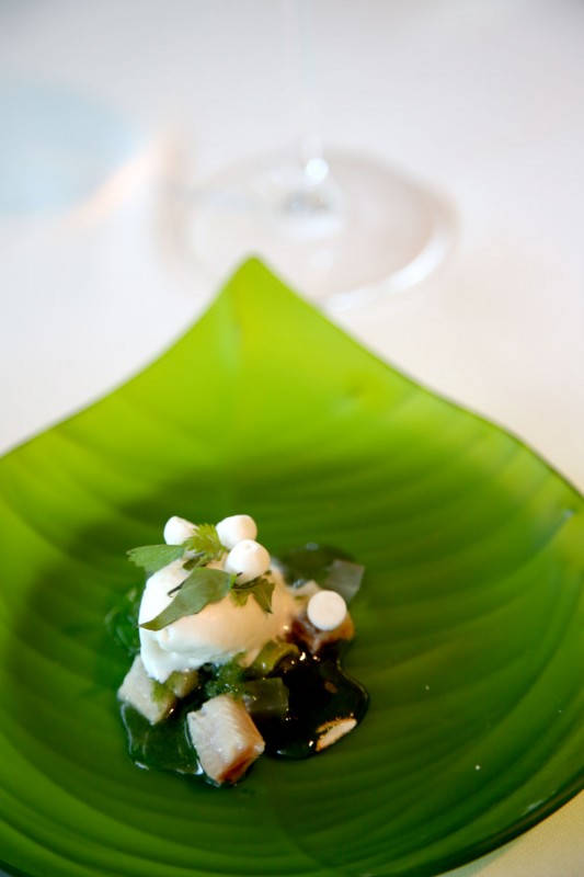 """Ajoblanco"" ice cream with meringue of Jerez, chlorophyll and sardine"