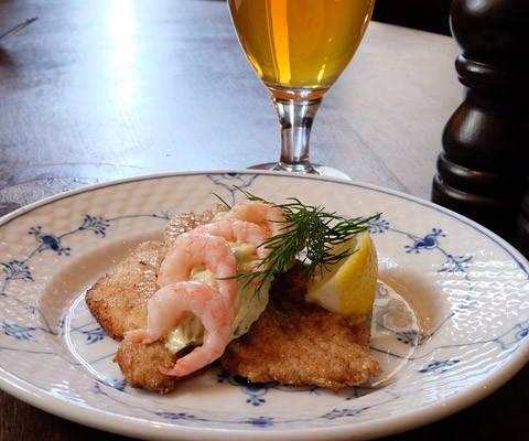 DSCF15511 e1440613572370 480x400 - Slik spiser du en ekte dansk frokost