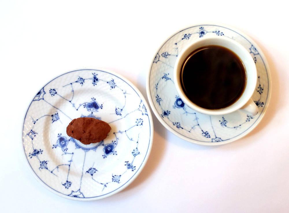 Søtt til slutt. Sjokoladetrøffel og kaffe.
