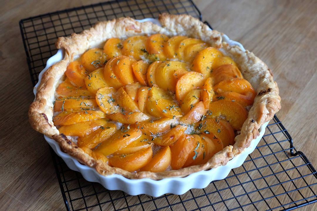 DSCF0782 1080x720 - Honningterte med aprikoser og mandler