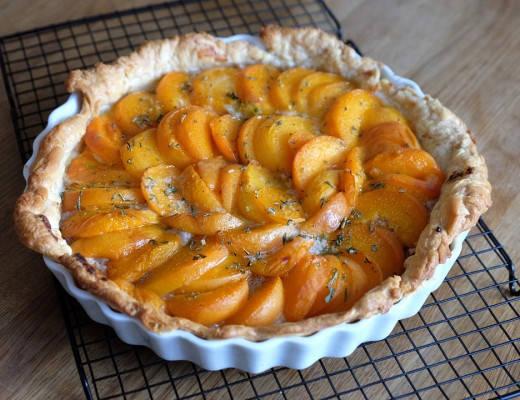 DSCF0782 520x400 - Honningterte med aprikoser og mandler