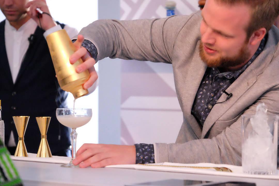 Jørgens Disco-drink med perlemorsglitter, sitrus, champagne og tequila.