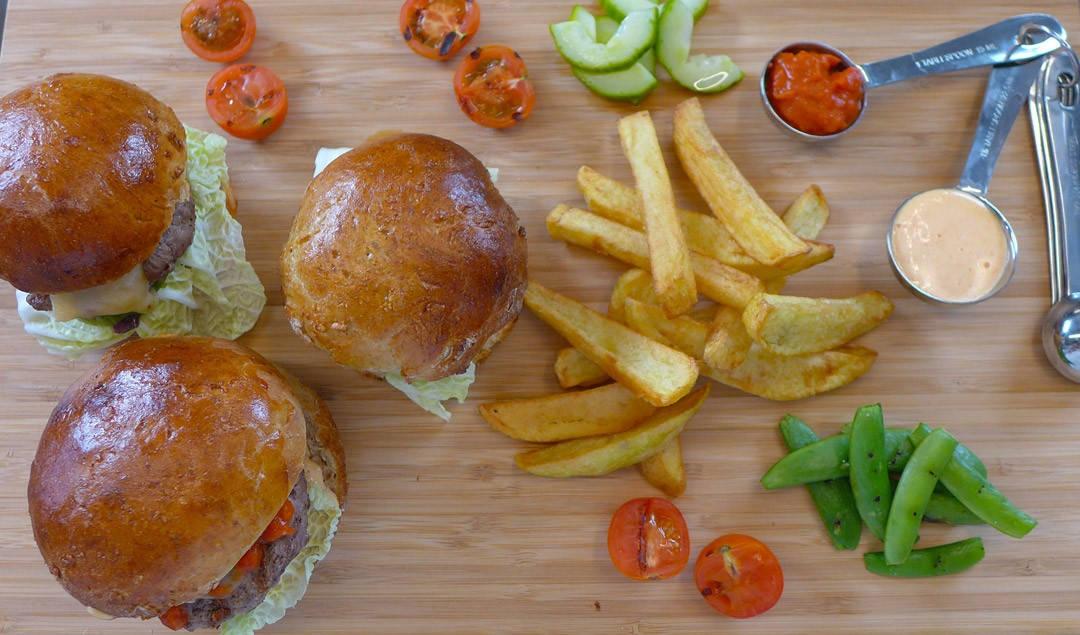 """L10703061 1080x635 - Mine fabelaktige resteburgere og finalen av """"Skrallerne"""""""