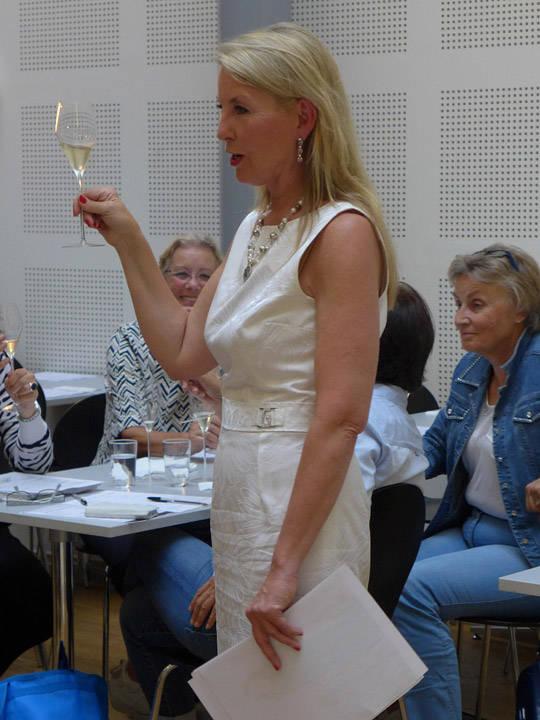 Gunnhild lærer oss om de musserende vinene.