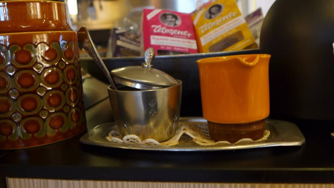 Te fra tesøsene. Bare navnet er terningkast seks!