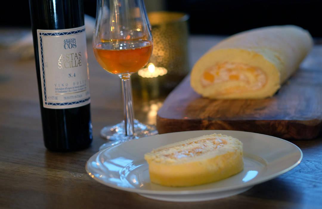 Nydelig dessertvin. Glassene er fra Rosendahl og koster 199 for to stykk. Perfekte glass til en dessertvin.