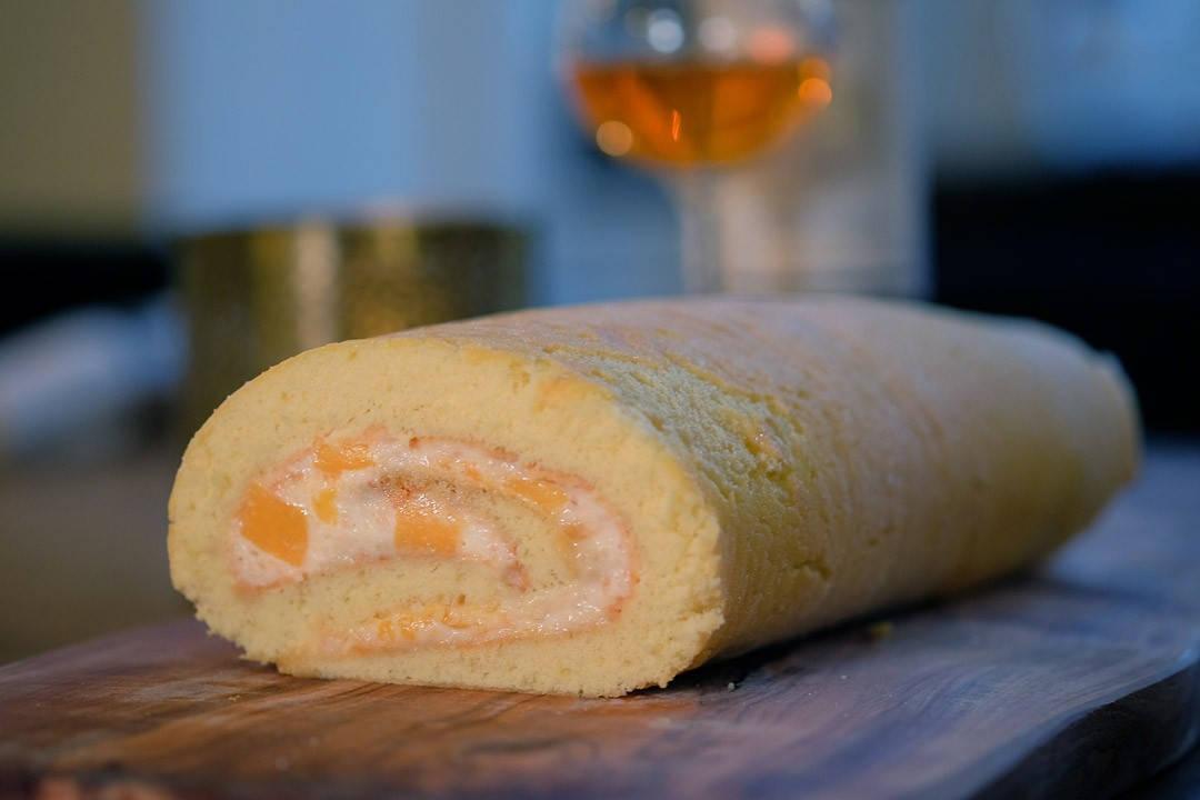 DSCF5672 1080x720 - Rullekake med nøttekrem og mango og en fantastisk dessertvin