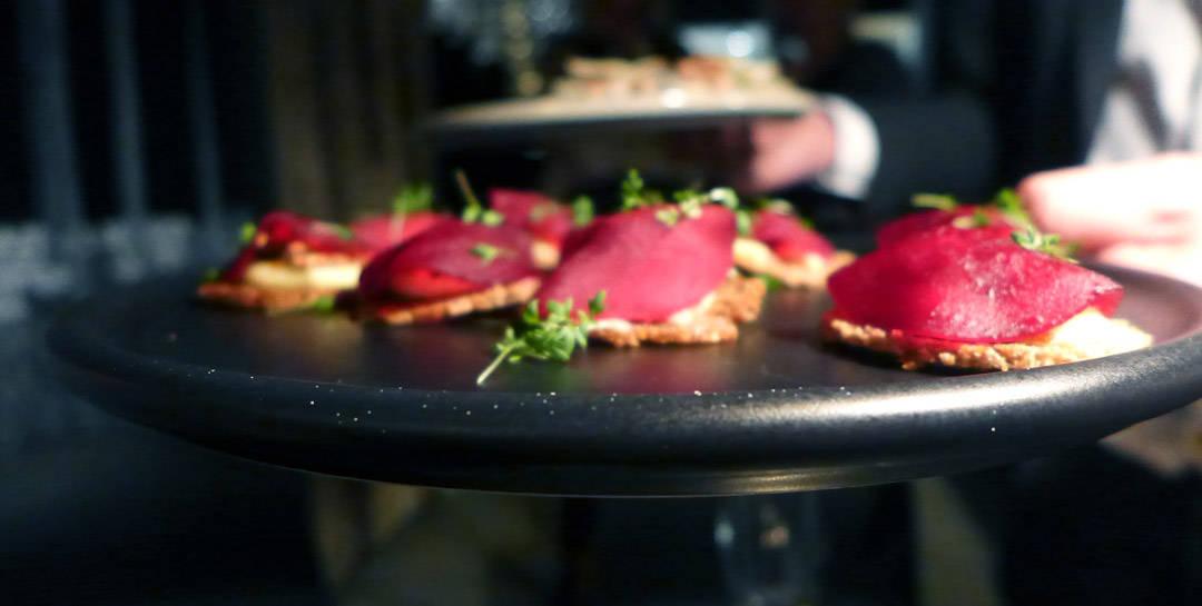 rødbeter, Rosalita-ost og sprøtt rugbrød.