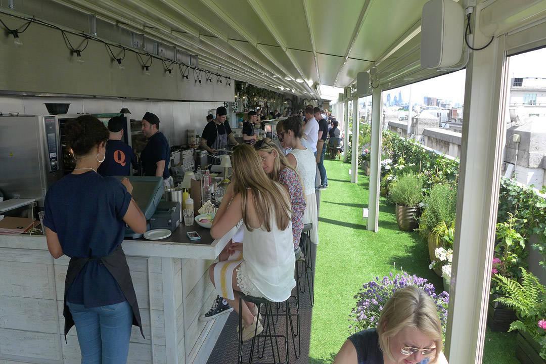Pop-up på taket på Selfridges i London. Forskjellig pop-ups per sesong. Her fra sommeren 2014.
