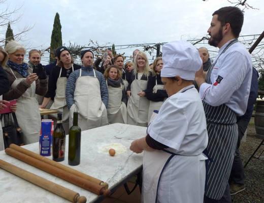 L1200062 520x400 - Lær å lage ekte romersk pasta