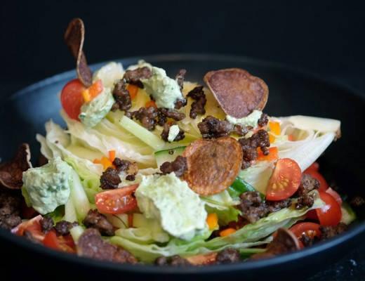 DSCF7706 520x400 - Kreativ salat med tacorester og hjemmelaget potetgull