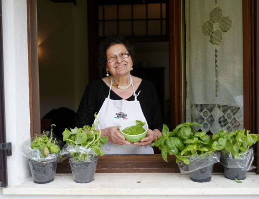 L1160624 520x400 - Silvanas deilige pasta pesto med oliven og tomater