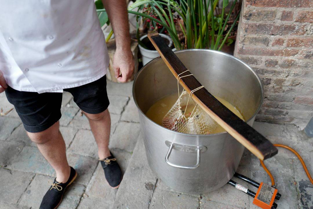 rooftop smokehouseL1230079 1080x720 - Seafood Boil i Barcelona