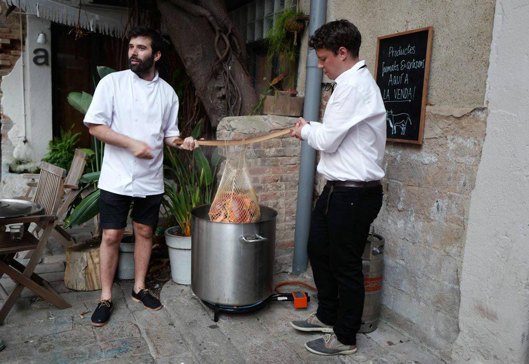 rooftop smokehouseL1230081 1080x744 - Seafood Boil i Barcelona