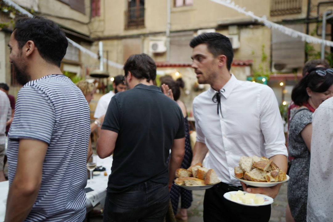 rooftop smokehouseL1230101 1080x720 - Seafood Boil i Barcelona