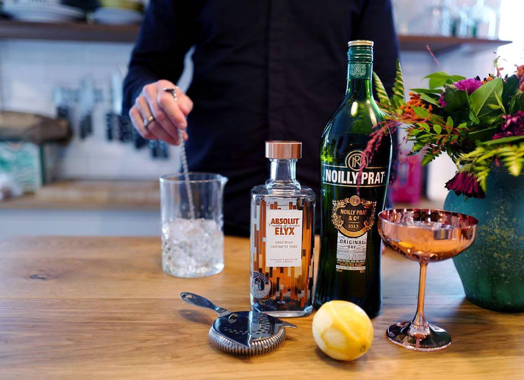 DryMartini Elyx absolut foto HelleOederValebrokk L1300440 1080x784 - Luksuriøs Dry Martini