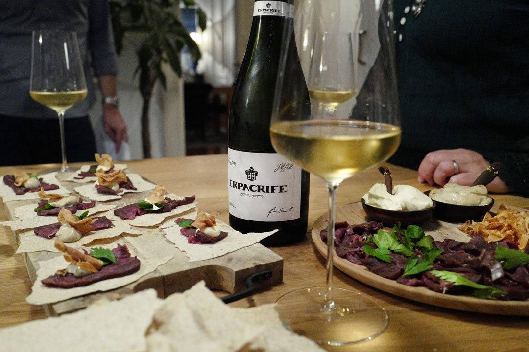 Vin til vilt vin foto HelleOederValebrokk L1300115 1080x720 - De glade amatører er tilbake: Her er 15 viner til vilt