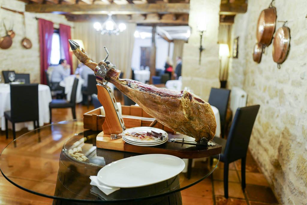 L1310697 - Tradisjonsmat og Michelinstjerner i La Rioja