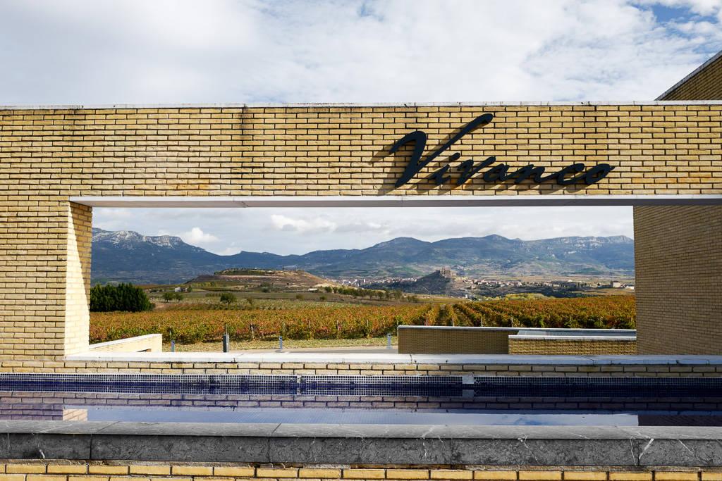 L1310876 - En vinrød tråd gjennom La Rioja